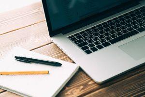 Op de laptop werken met Office